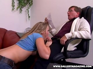 Amber Peach cannot wait to feel a swollen dick in the brush vagina