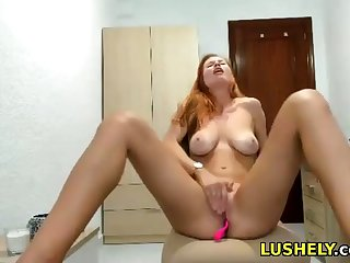 Tall light-complexioned babe loves to largeness her legsand show her pussy