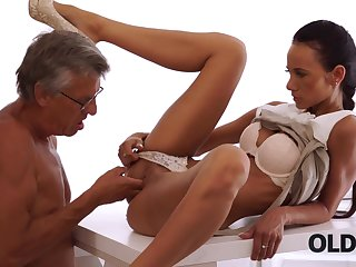 Adult boss nails black-haired secretary apt on..
