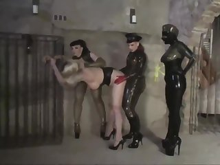 Rubbersisters - Imprisonment 2