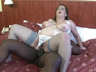 Chubby mature woman tries a black dick in someone's skin ass