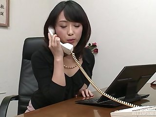 Nijikawa Sora gives the best blowjob ever while she is on say no to knees