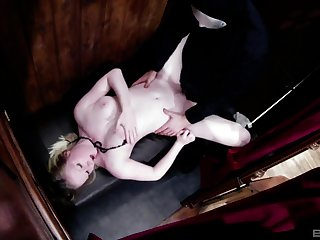 Before masked immigrant destroys will not hear of pussy Satine Spark blows his cock