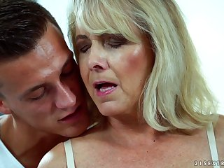 Sexy granny Jana Nelle has an affair with young coxcomb living nextdoor