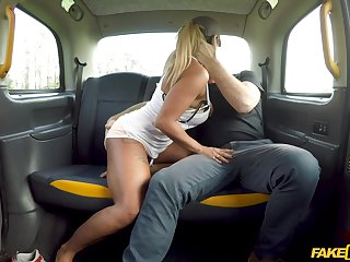 Street hooker Talula Thomas offers her pussy be worthwhile for a free ride