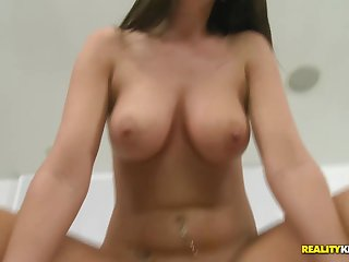 Kinky cutie sits down superior to before a broad in the beam cock to get the brush satisfaction