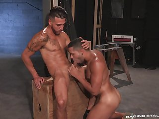 Muscular FX Rios and Max Gianni's oral and anal pleasures