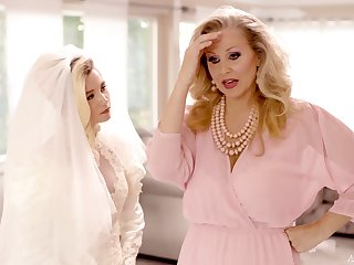 Erotic lesbian sex before the conjugal - Julia Ann and Carolina Confectionery