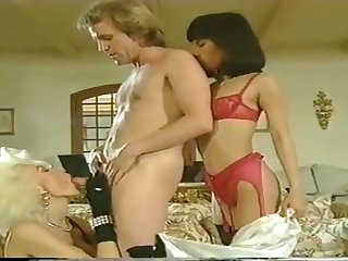 Hot retro MILF Dolly Buster porn peel