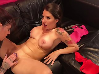 Girlfriend Lets me Enjoyment from her best Friend! (Siona Gilded & Lily Veroni)