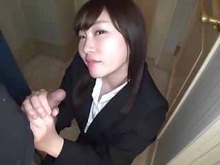 Ryoko Akahori Bimbo Pursuit Track Woman Dressed Wide A Recruit Suit