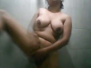 This Sri Lankan chick loves showering and I love her homosexual body