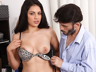 Sexy Latina amateur all round big upfront tits wants to become a pornstar!