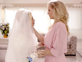 Wild lesbian sex between Julia Ann and Carolina Sweets before the wedding