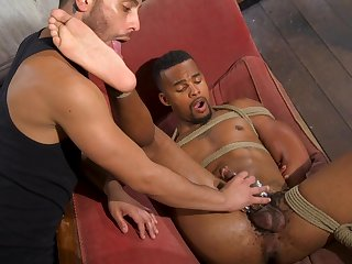 Black hunk plays obedient be advantageous to his lover