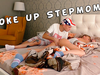 Stepmom woke up from the stepson's chunky dick. Family therapy