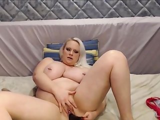 Big and Beautiful Blond Girl Around Huge Tits Squirting