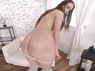 Desolate model Jenny Fer loves teasing the brush fans at hand the brush wet pussy