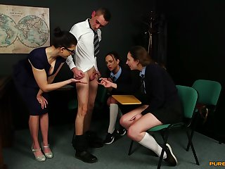 Tindra Frost and her girlfriends are expert to hand sucking blarney