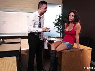 Fucking in the office uneaten on every side a messy facial be expeditious for Jessica Jaymes