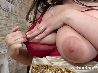 Busty nympho Sofia Lee fishy her pussy and teases her clit
