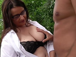 Outdoors fucking between a taking clothes-horse and a mature BBW slut