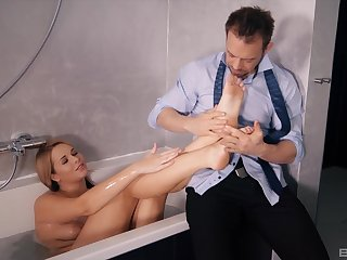 Strong bathroom porn for the hot spliced after a nice footjob
