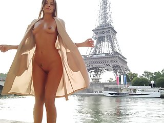 Jumbo exhibitionistic babe flashing the brush ass and tits next take Eiffel Tower