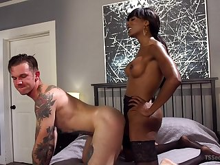 Knavish shemale hooker Natassia Dreams fucks her white purchaser