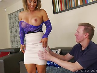 Wed Betty Foxxx gets botheration fingered and fucked by their way sweetheart