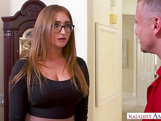 Nerdy take charge housewife Skylar Snow gets her soaking pussy licked to the stronghold