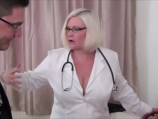 Horny full-grown BBW Lacey Starr shares a dick at hand Sookie Blues