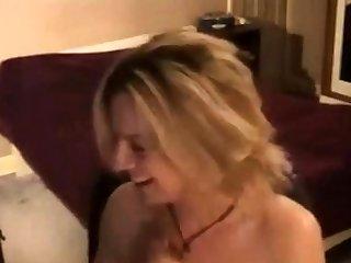 UK sex mad webcammer orgasm.